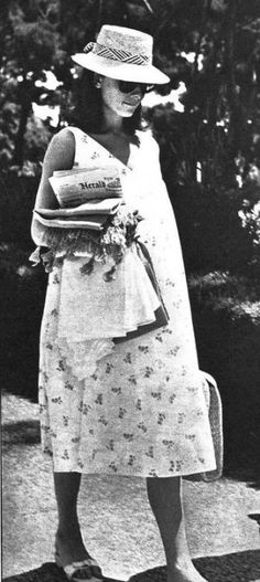 Modern pregnancy dresses - audrey hepburn maternity style
