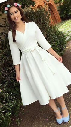 v neck outfit Simple Dresses, Elegant Dresses, Pretty Dresses, Vintage Dresses, Beautiful Dresses, Casual Dresses, 50s Vintage, Casual Outfits, Modest Outfits