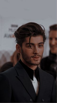 Cabello Zayn Malik, Foto One, Zayn Malik Photos, Foto Zayn Malik, Zayn Mallik, One Direction Pictures, Zayn One Direction, Hommes Sexy, Beautiful Boys