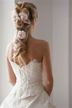 Bridal hair with flower clips