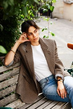 Inside the Parisian apartment of Anaïs Bouchard: French style inspiration French Girl Style, French Girls, French Chic, Dress Like A Parisian, Parisian Chic Style, Vogue Paris, Style Chic Parisien, Parisienne Style, Look Blazer