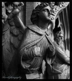 Handless angel at Sheffield Cathedral