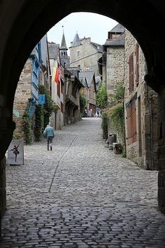 I took a picture much like this in Rhodes. Love....Dinan, Bretagne