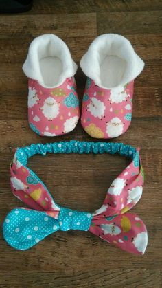 1 million+ Stunning Free Images to Use Anywhere Sewing Baby Clothes, Baby Sewing, Baby Co, Fun Baby, Baby Shoes Pattern, Cute Baby Shoes, Bitty Baby, Doll Shoes, Cool Baby Stuff