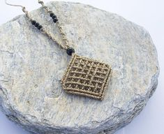 Micro macrame diamond shaped pendant was made with the macrame technic, using high quallity waxed threads, acrylic beads! Those who like boho style, will love it!! The material is 100% water proof so it wont fade away. It has adjustable length. material: waxed thread, acrylic beads color: