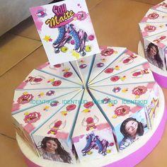 Soy Luna  Torta souvenir golosinera, camino de mesa, banderines, stickers, bolsitas, cartel de bienvenida, individuales, invitaciones, pochocleras, todo personalizado para tu cumple . www.facebook.com/identikid  tuidentikid@yahoo.com.ar Ideas Para Fiestas, Son Luna, Ladybug, Party Themes, Birthdays, Baby Shower, Nara, Karaoke, Shower Ideas