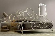 Letti In Ferro Battuto Antichi : Antichi letti in ferro battuto con letto a baldacchino in camera