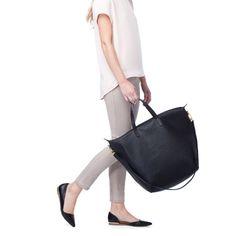 Oversized Zipper Tote Black http://www.cuyana.com/large-zipper-bag-black.html