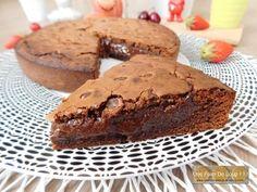 Fondant au chocolat cœur coulant au speculoos - Une Faim De Loup ! ! ! Desserts, White Chocolate Chips, Grout, Tailgate Desserts, Deserts, Dessert, Food Deserts