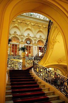 Flights Of Fancy - Casino de Madrid