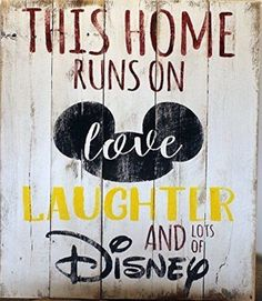 Rustic Pallet Wall Art – Home Runs on Love Laughter and Disney Sign – Mickey Mouse Sign – Love and L Rustikale Palette Wandkunst – [. Disney Diy, Casa Disney, Disney Rooms, Disney Home Decor, Disney Crafts, Disney Playroom, Disney Ideas, Diy Pallet Wall, Pallet Signs