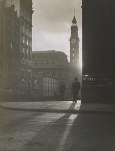 Harold Cazneaux, Late afternoon, Martin Place, 1910.