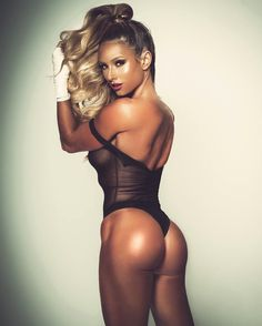 #humpdaymotivation  TAG A FRIEND THAT LOVES HUMP DAY - Photographer @lkbphotography Makeup @leahdarcymakeup   Hair @fpinasco Stylist @eburnsprepjerks by paigehathaway
