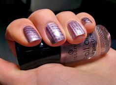 Nail Art #03 Magnetic Nail Polish ( Unghie smalto magnetico e calamita )