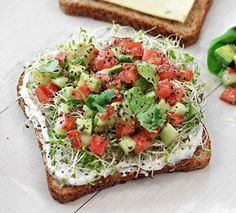 Yum! avocado, tomato, sprouts & pepper jack with chive spread