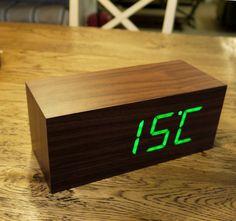 LED wood-effect alarm clock - Walnut Square