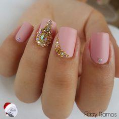 www.tatacustomizaçãoecia.com.br Unhas lindas da @ju_ander❤️❤️❤️❤️❤️ Para compras e orçamentos das pedras avulsas, vc encontra na @tata_customizacao_e_cia