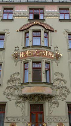 Hôtel Central (1902) Hybernskà 100, Prague. Architectes : Bedrich Ohmann, Bedrich Bendelmayer, Alois Dryak