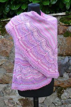 Sweet and Simple Knit Shawl | AllFreeKnitting.com