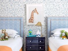 Alan Campbell Petite Zig Zag headboards by Madre Dallas The post Alan Campbell Petite Zig Zag headboards by Madre D… appeared first on Woman Casual - Kids and parenting Boys Room Wallpaper, Alan Campbell, Big Girl Rooms, Kids Rooms, Teen Rooms, Boy Rooms, Boys Bedroom Decor, Teen Bedroom, Kid Spaces