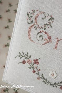 1 million+ Stunning Free Images to Use Anywhere Cross Stitch Letters, Cross Stitch Love, Cross Stitch Flowers, Cross Stitching, Cross Stitch Embroidery, Embroidery Needles, Monogram Letters, Shabby Chic, Crochet