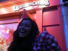 A fan with her fave  via Nicole de Ocampo