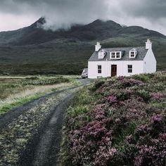 Scottish croft, Sligachan, Isle of Skye Irish Cottage, Cozy Cottage, Scottish Cottages, Style Anglais, Scotland Travel, Skye Scotland, Highlands Scotland, Scotland Castles, Scottish Highlands