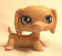 Littlest Pet Shop TAN DACHSHUND PUPPY DOG #909 PINK POLKA DOT EARS - Teardrop