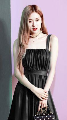 Rosé in this black dress i 😍 Kim Jennie, Square Two, Foto Rose, Rose And Rosie, Kleidung Design, Rose Bonbon, Kim Jisoo, Black Pink Kpop, Blackpink Photos