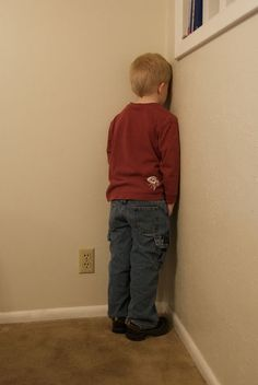 Castigado de cara a la pared
