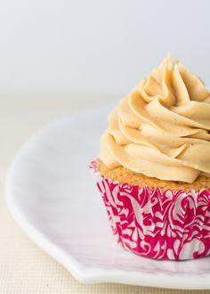Objetivo: Cupcake Perfecto. Cupcakes de Mantequilla de Cacahuete (Receta / Recipe).