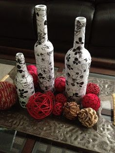 Cara Young: Wine Bottle Craft (This one uses tissue paper and Mod Podge. Recycled Wine Bottles, Wine Bottle Corks, Glass Bottle Crafts, Diy Bottle, Bottle Vase, Cork Crafts, Diy Crafts, Bottles And Jars, Empty Bottles