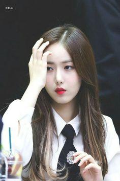 Kpop Girl Groups, Korean Girl Groups, Kpop Girls, Sinb Gfriend, Mamamoo Moonbyul, G Friend, Meme Faces, South Korean Girls, Girl Crushes
