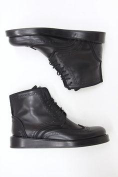 shoes by Dior HOMME boots ref: 3BO061BP cuir veau 100% semelle cuir% édition limitée ligne défilé Réf. DIO-MON-H-81261