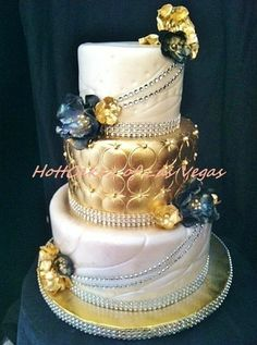 Luxurious - by HottCakez @ CakesDecor.com - cake decorating website