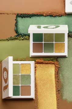 "Fenty Beauty's Snap Shadows Palette in 10 ""MONEY"" delivers flattering, green eyeshadow shades in the palm of your hand, perfect quick eye looks! Each shade was hand selected by Rihanna to be color rich, ultra blendable & perfect for every skin tone!"