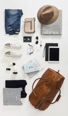 Travel wardrobe, packing tips for travel, weekend packing, weekend trip Weekend Packing, Packing Tips For Travel, Travel Essentials, Europe Packing, Traveling Europe, Backpacking Europe, Weekend Fun, Travelling, Travel Checklist