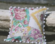 cherished*vintage: Reusing Vintage Hankies - A Hanky Pillow Fabric Crafts, Sewing Crafts, Sewing Projects, Craft Projects, Craft Ideas, Decorating Ideas, Vintage Diy, Vintage Crafts, Vintage Linen