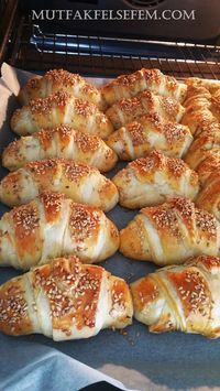 This Pin was discovered by Guz Pogaca Recipe, Bread And Pastries, Turkish Recipes, Fish Dishes, Food Design, No Cook Meals, Brunch, Food And Drink, Cooking Recipes