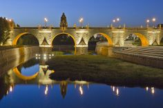 Puente de Toledo | Flickr: Intercambio de fotos Madrid, 17th Century, Town Hall, Bridges, Monuments, Travel