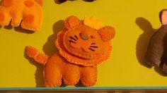 Guarda questo articolo nel mio negozio Etsy https://www.etsy.com/it/listing/508544779/bomboniera-leone-in-pannolenci