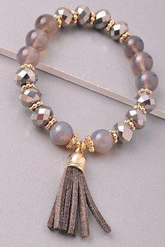 Diy Jewelry Ideas : Beaded bracelet with a tassel Stretches - one size fits most. Diy Jewelry Ideas : Beaded bracelet with a tassel Stretches one size fits most Jewelry Accessories, Jewelry Design, Jewelry Sets, Jewelry Rings, Tassel Bracelet, Yoga Bracelet, Stone Bracelet, Pearl Bracelet, Homemade Jewelry