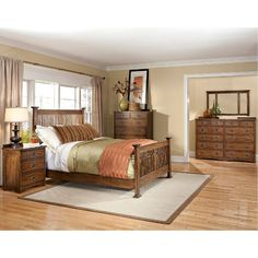 Oak Park 6-Piece Queen Bedroom Set