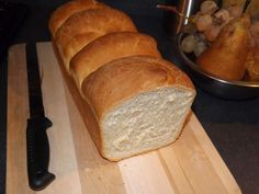 Pain de mie - ultra moelleux en MAP cuisson au four De l'eau: 120 ml Du lait: 110 ml Du sel: 2 cac De la farine: 450 gr Du sucre en poudre:2 cas De le levure de boulanger: 1 sachet Du beurre mou: 20 gr