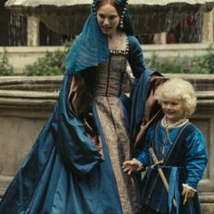 My original thought was to make this a post of men's and women's Tudor costumes throughout film and television, but I quickly realized that there are far too many beautiful costumes, so this will. Costume Renaissance, Renaissance Dresses, Renaissance Fashion, Medieval Dress, Tudor Costumes, Period Costumes, Movie Costumes, Cool Costumes, Historical Costume