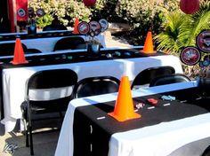 mesa dos convidados festa carros