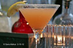 Ruby Red Lemon Drop (Absolut Ruby Red Vodka, freshly squeezed grapefruit, lemon & lime juice) My New Favorite, I use pineapple juice instead of grapefruit juice. Vodka Recipes, Beef Recipes, Pineapple Juice, Lime Juice, Refreshing Drinks, Yummy Drinks, Vodka Cocktails, Martinis, Grapefruit Vodka