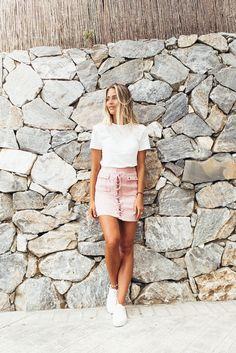 Sanne Alexandra top (here!) -adlink/ Missguided skirt (here!)/ Senso shoes