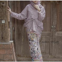 #kebaya #kebayakondangan #kebayawisuda #kebayacasual #kebayadaily #inspirasikebaya Kebaya Modern Hijab, Kebaya Hijab, Kebaya Brokat, Kebaya Muslim, Muslim Dress, Kebaya Lace, Kebaya Dress, Batik Kebaya, Batik Dress