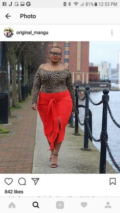 Red with a print. Always a helluva combo. That shape just kills it in the best way possible. Curvy Outfits, Chic Outfits, Girl Outfits, Fashion Outfits, Fashion Boots, Plus Size Fashion For Women, Black Women Fashion, Plus Fashion, Womens Fashion